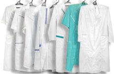 Фото женских и мужских медицинских халатов